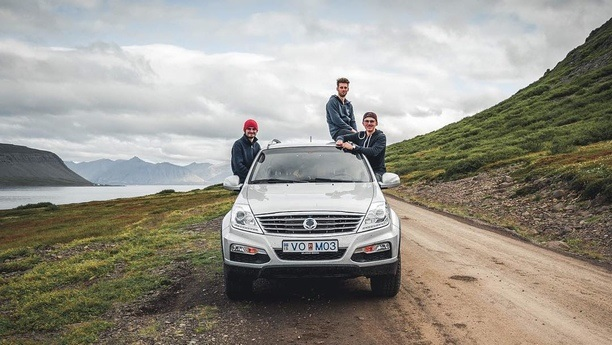 friends ssangyong rexton autumn