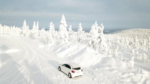 mercedes aclass snow winter