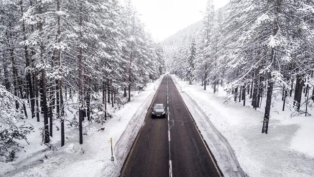 mercedes cclass road winter