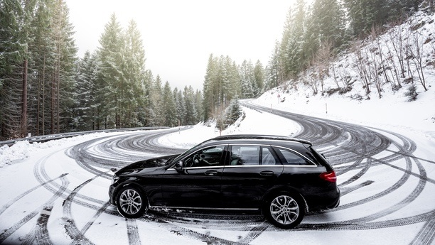 mercedes cclass snow winter