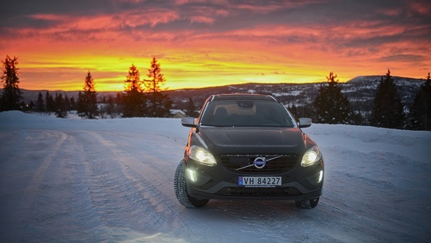 volvo xc60 night winter