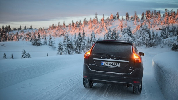 volvo xc60 snow winter