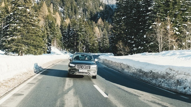 volvo xc90 road winter