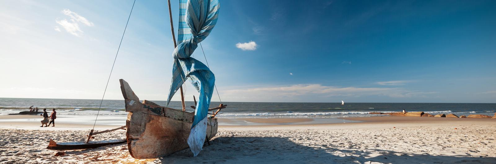 city header mosambique sailboat