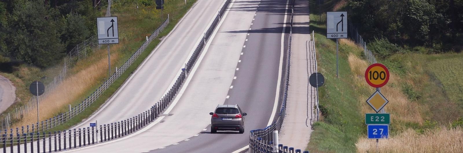 city header sweden highway cars