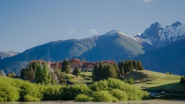 Reserve su coche de alquiler en Bariloche y viaje a lugares de gran encanto