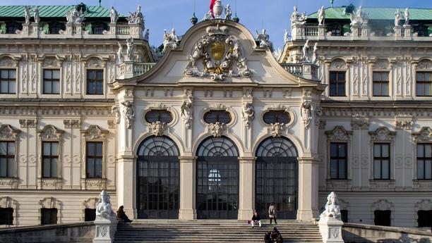 Aproveche el amplio servicio de alquiler de coches en Viena Centro de Sixt