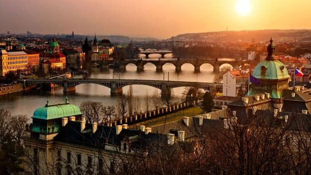 Aproveche nuestro servicio de alquiler de coches en la Estación Central de Praga