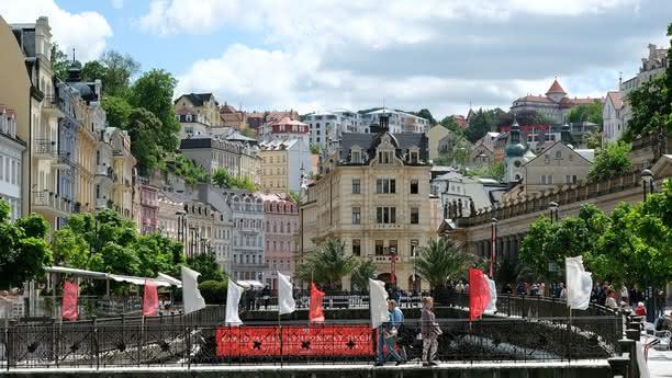 Die Sixt Autovermietung in Karlsbad bieten Ihnen günstige Fahrzeuge