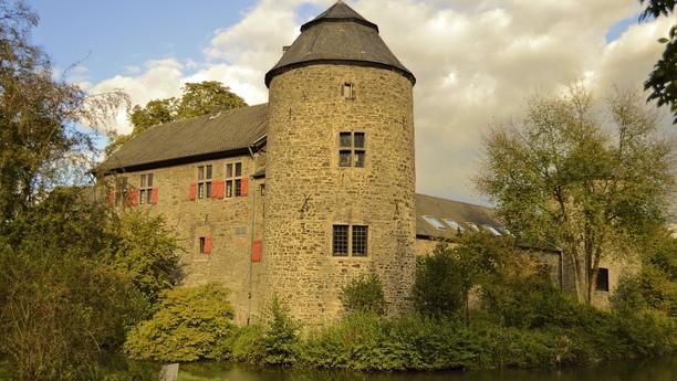 Enriquezca su viaje con nuestro servicio de alquiler de coches en Ratingen