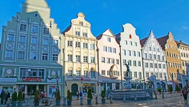 Disfrute de su estancia con nuestro servicio de alquiler de coches en Augsburgo