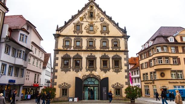 Descubra los beneficios de contar con un coche de alquiler en Weingarten