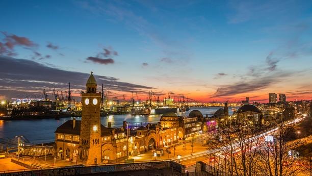 Acceda a nuestra amplia oferta de alquiler de coches en Hamburgo Centro de Cruceros Altona