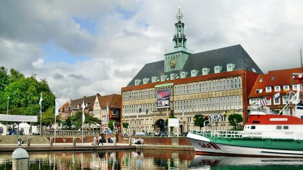 Mit unserer Autovermietung in Emden erreichen Sie schnell und bequem Ihre Ziele