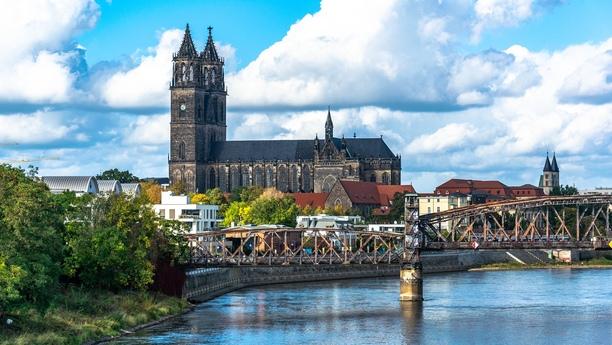 Muévase con libertad con nuestro servicio de alquiler de coches en Magdeburgo