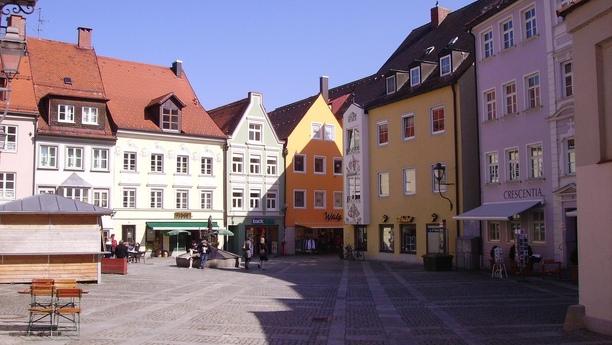 Múevase por el sur de Alemania con nuestro servicio de alquiler de coches en Kaufbeuren
