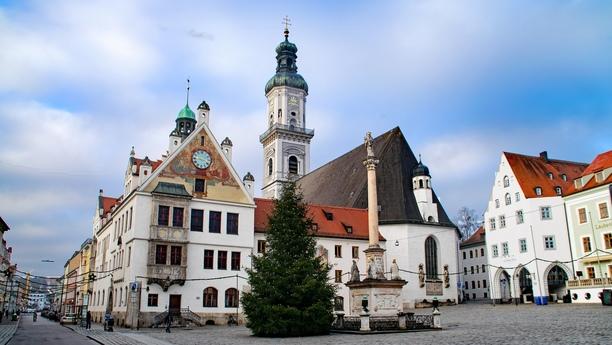 Descubra la región con nuestro servicio de alquiler de coches en Freising