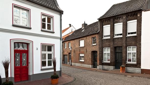 Descubra el estado federado de Renania del Norte-Westfalia con un coche de alquiler en Kleve