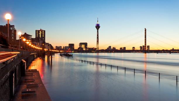 Düsseldorf mit dem Mietwagen erkunden