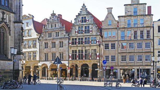 Mit einem Mietwagen in Münster-Osnabrück-Greven können Sie das gesamte Münsterland erkunden