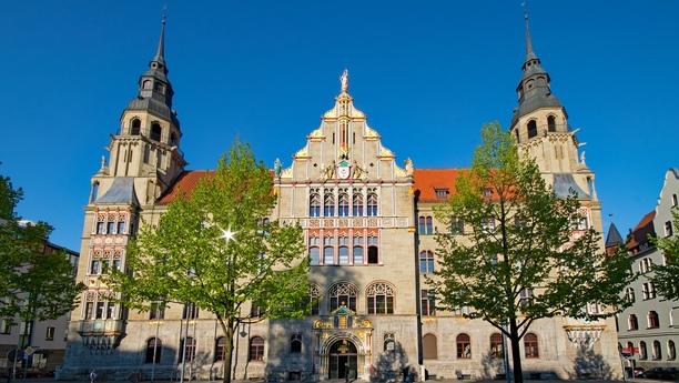 Viaje con nuestro servicio de alquiler de coches en Halle Saale