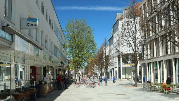 Besuchen Sie die attraktive Kreisstadt Sindelfingen mit zentral gelegener Sixt Filiale