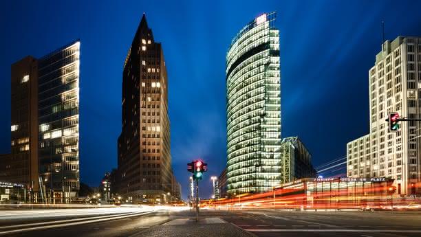 Willkommen an der Station Berlin Messe/BMW!
