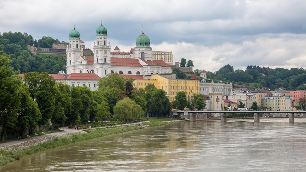 Car hire in Passau with Sixt