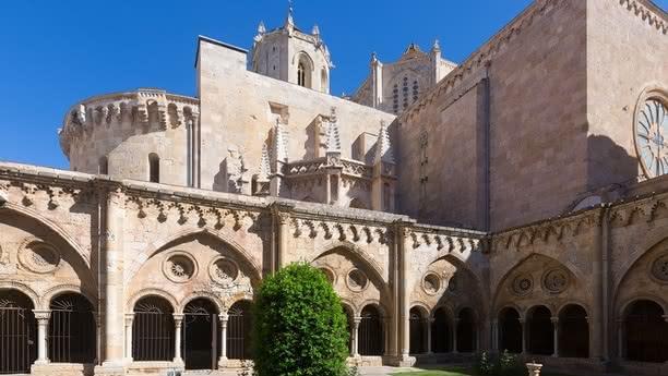 Die Schönheit Tarragonas mit dem Sixt Leihwagen entdecken