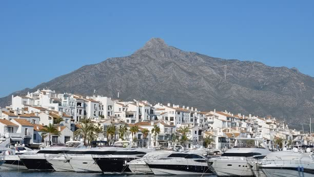 Reserve car hire in Marbella online
