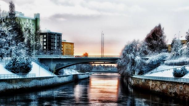 Location de voiture à la gare centrale d'Oulu avec Sixt