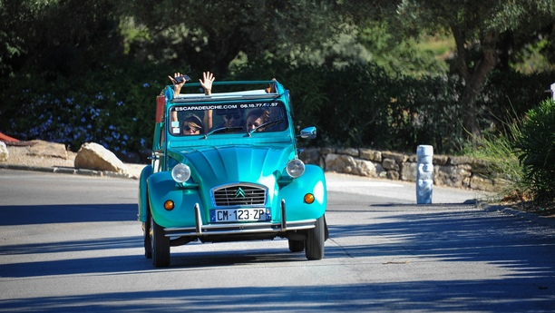 Viaje por la Costa Azul al volante de un atractivo y moderno vehículo de Sixt