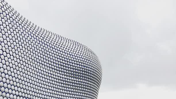 Con un coche de alquiler en Birmingham podrá descubrir la región central de Inglaterra