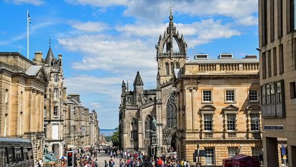 Edinburgh City Centre car hire