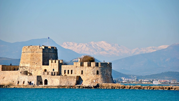 Enjoy the beauty of Rhodes with a hire car from Sixt