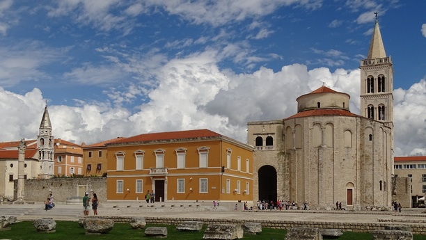 Car Hire in Zadar with Sixt