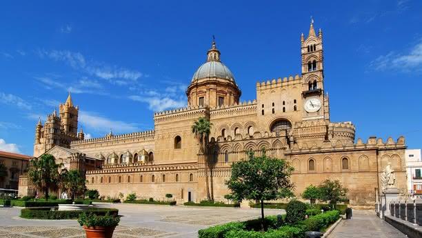Viaje por Palermo y Sicilia utilizando nuestro moderno servicio de alquiler de vehículos