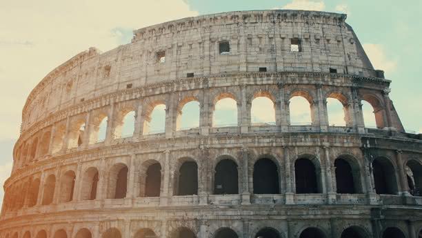 Entdecken Sie die ewige Stadt Rom im Mietwagen