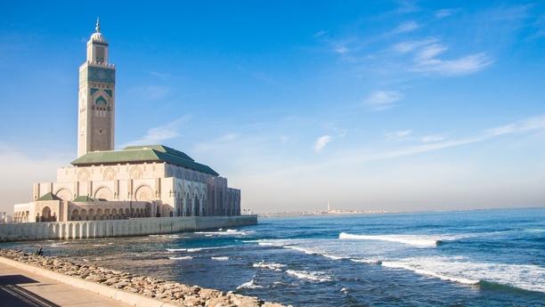 In Casablanca am Hafenbahnhof einen Mietwagen sichern