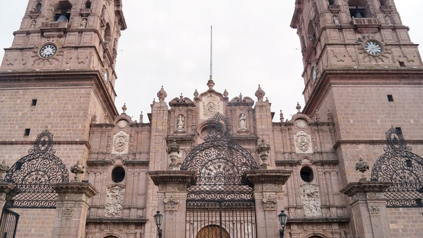 Acceda a nuestra variada oferta de alquiler de coches en Morelia Centro Histórico