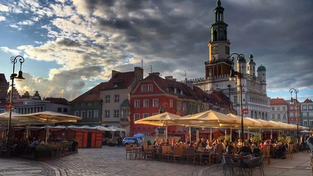 Mit einer Autovermietung in Poznan können Sie die Stadt entdecken