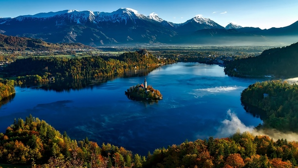 Slovenia: Car Rental Deals with Sixt in Bled