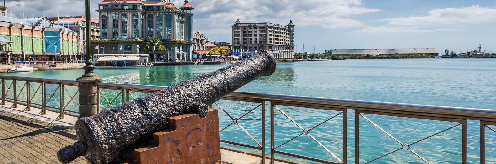 port louis city header