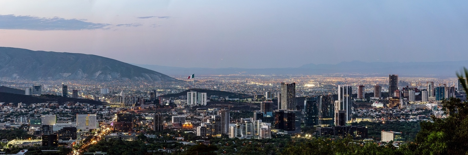 monterrey city header