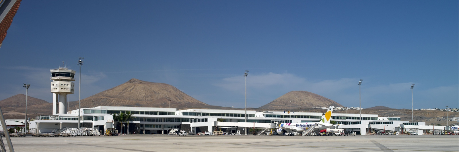 lanzarote airport header