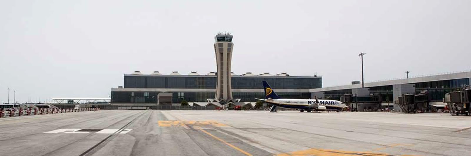 malaga airport header