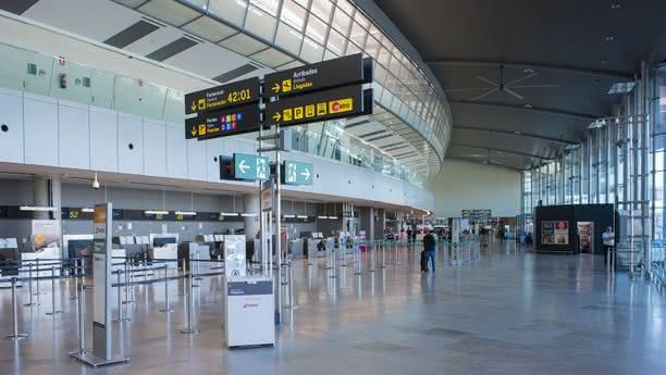 valencia airport content