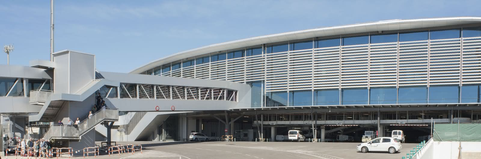 valencia airport header
