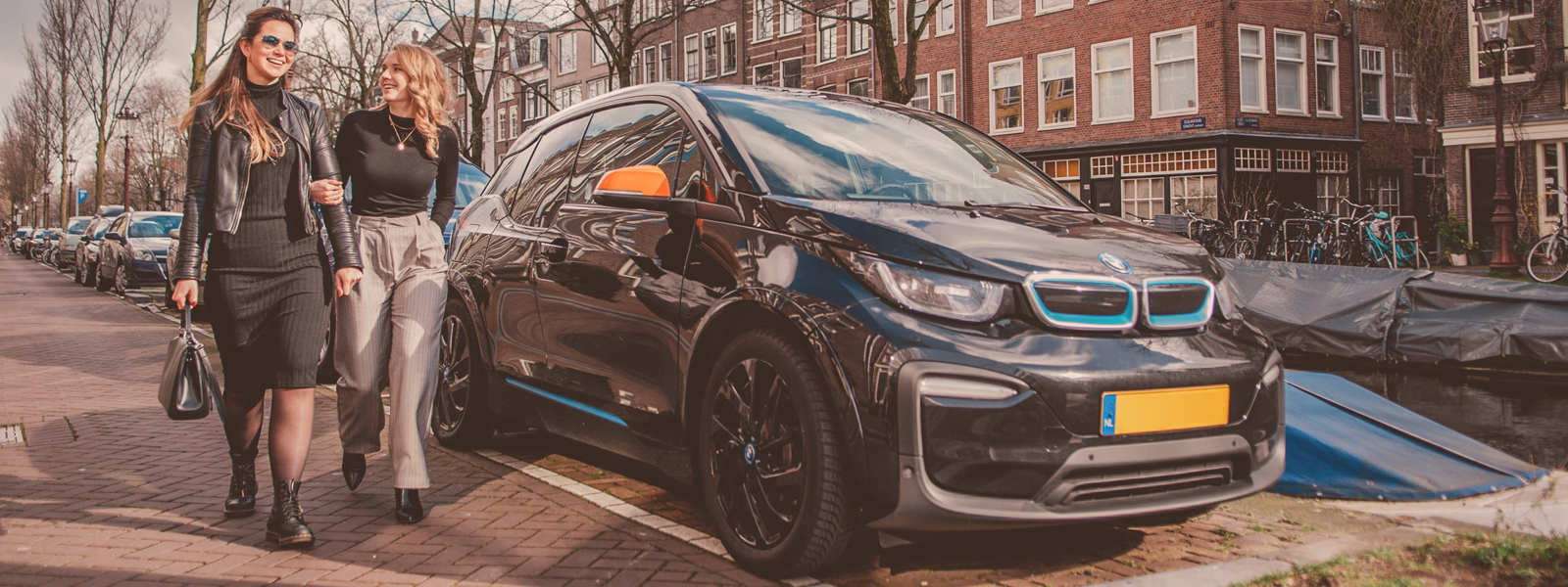 sixt share carsharing in amsterdam bmw i3 gracht