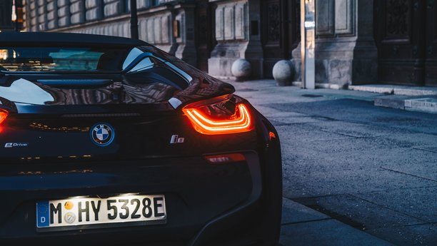 BMW i8 Rental | Sixt rent a car